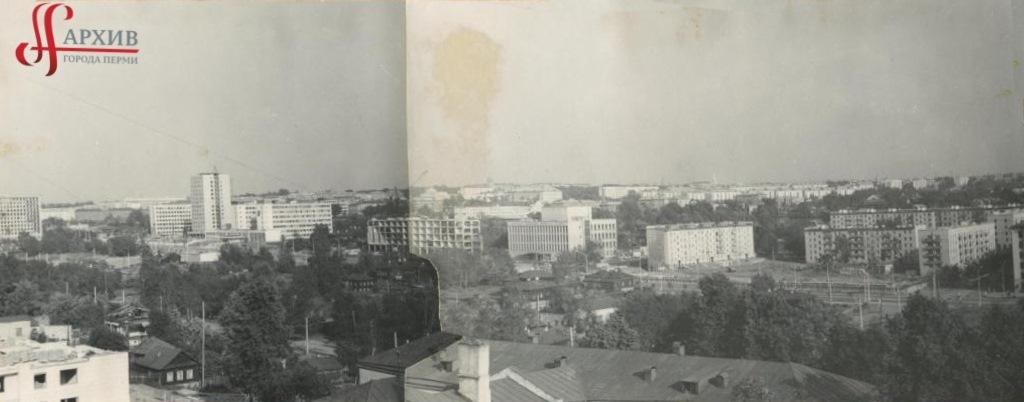 Панорама ул. Ленина. Строительство здания управления связи. 19 июля 1971.