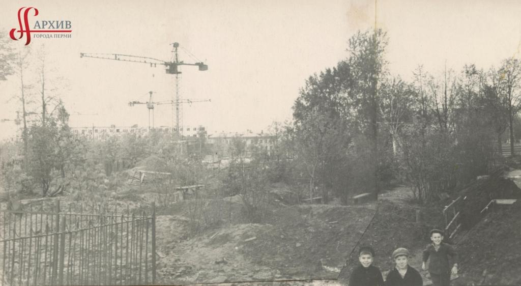 Строительство 5-этажных домов по ул. Механошина. 3 октября 1965.