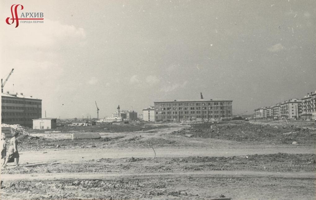 Строительство издательско-полиграфического комплекса «Звезда» по ул. Дружбы, 34. 1 сентября 1963.
